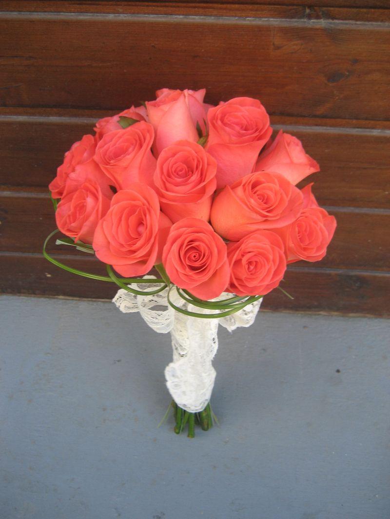 BN 09-180,00 RON-Buchet de nasa cu trandafiri