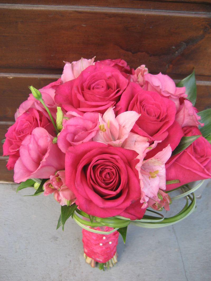 BN 15-160,00 RON-Buchet de nasa cu trandafiri si alstroemeria
