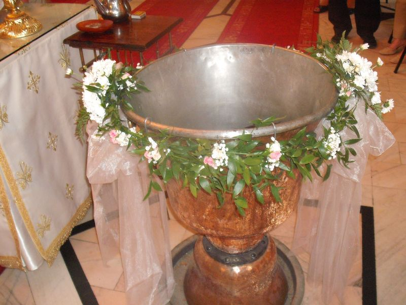 CR 2-150,00 RON-Aranjament cristelnita cu gypsofila si crizanteme