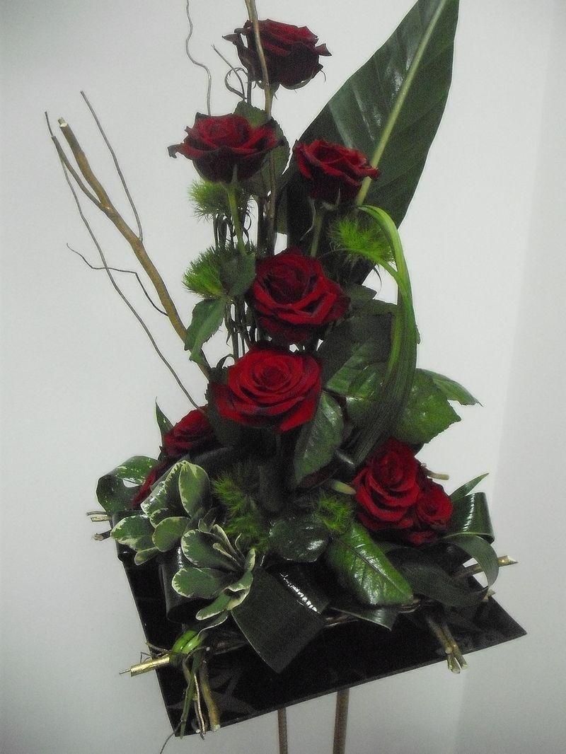 AN 13-150,00 RON-Aranjament natural cu trandafiri