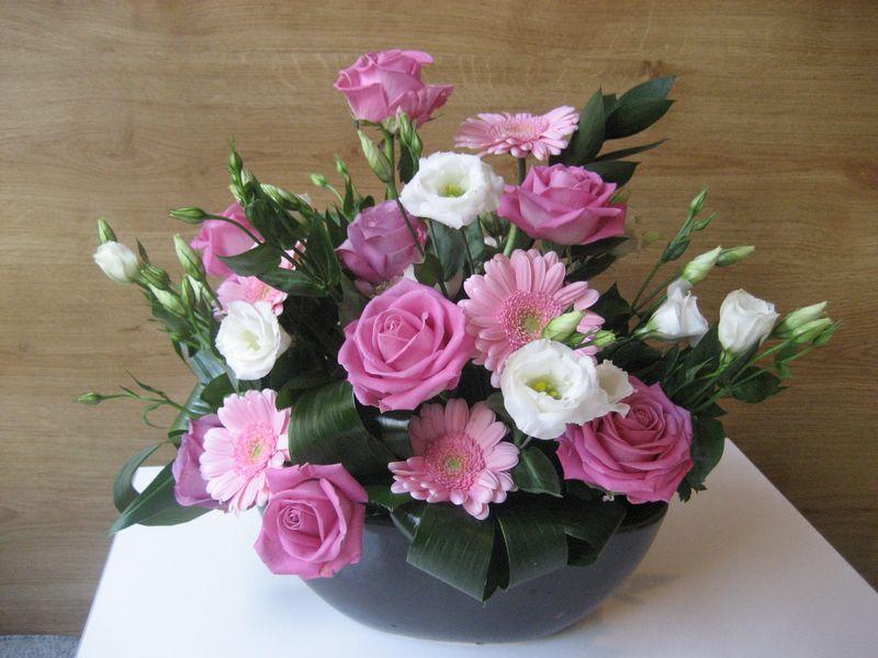 AN 20-150,00 Ron-Aranjament natural cu trandafiri, gerbera si lisianthus