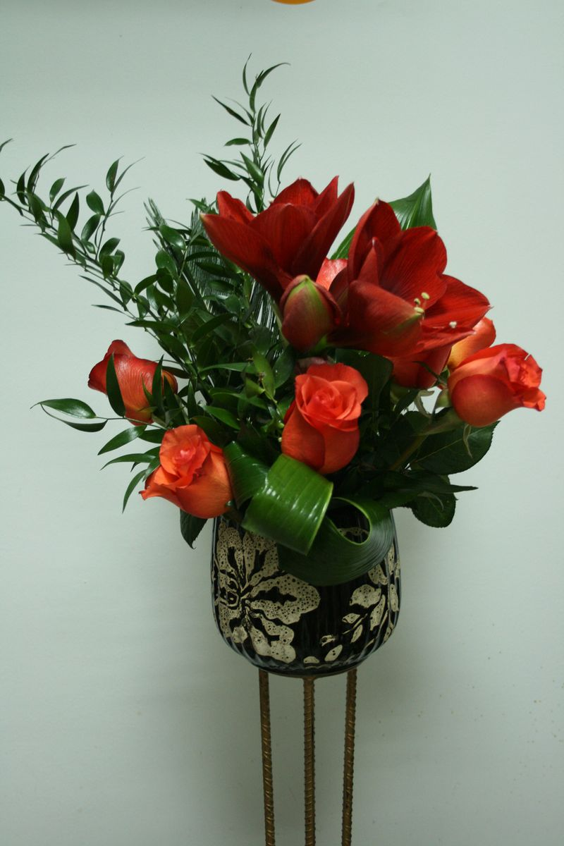 AN 23-100,00 Ron-Arajament natural cu amarylis si trandafiri