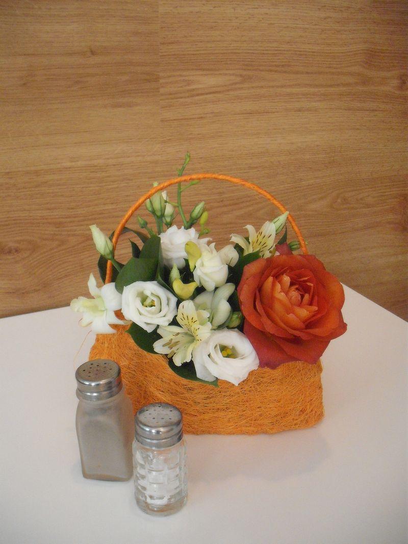 CF 12-50,00 Ron-Cos cu trandafir, lisianthus si alstroemeria