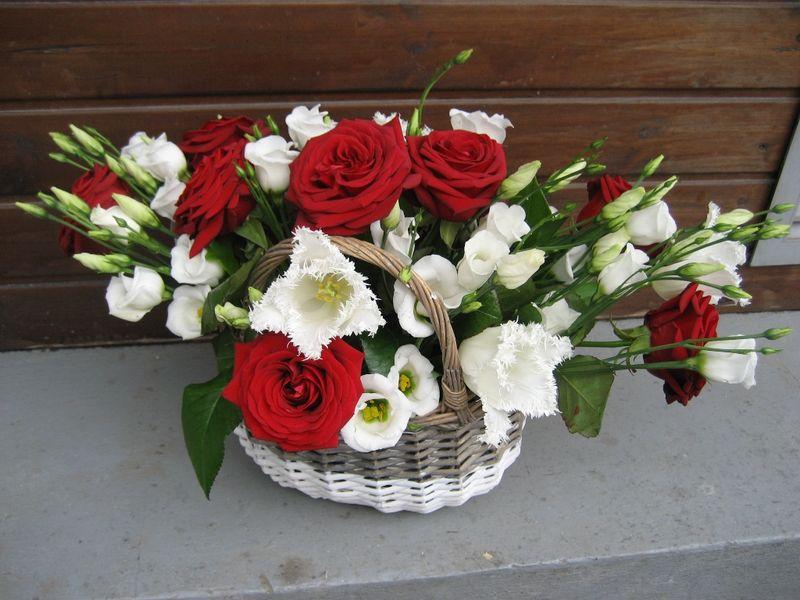 CF 14-130,00 Ron-Cos cu trandafiri, lisianthus si lalele