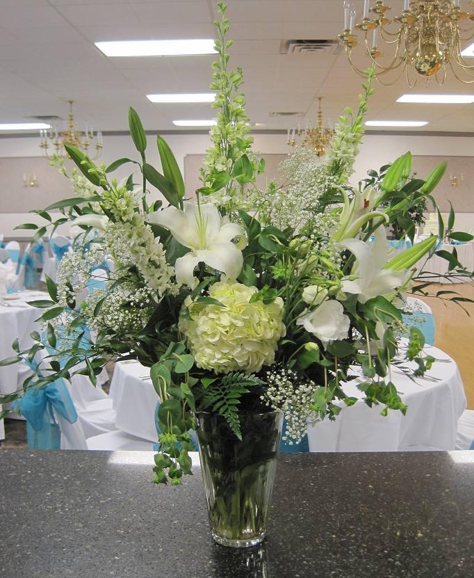 RC 09-300,00 Ron-Aranjament floral cu hortensie,lisianthus, crini si delphinium
