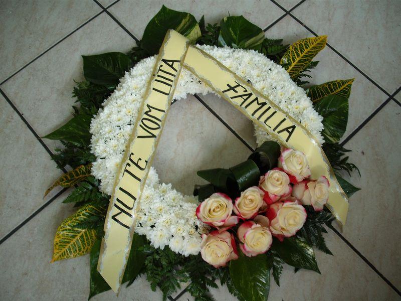 FC 01-230,00 Ron-Coroana cu trandafiri si crizanteme