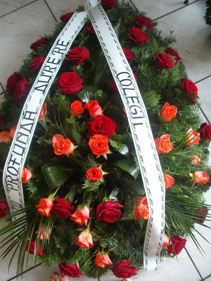 FC 21-530,00 Ron-Coroana funerara cu trandafiri