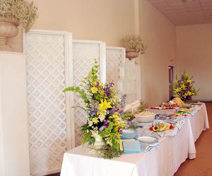 FP 03-340,00 Ron-Aranjament floral cu aster, crini, delphinium si eurocrizanteme
