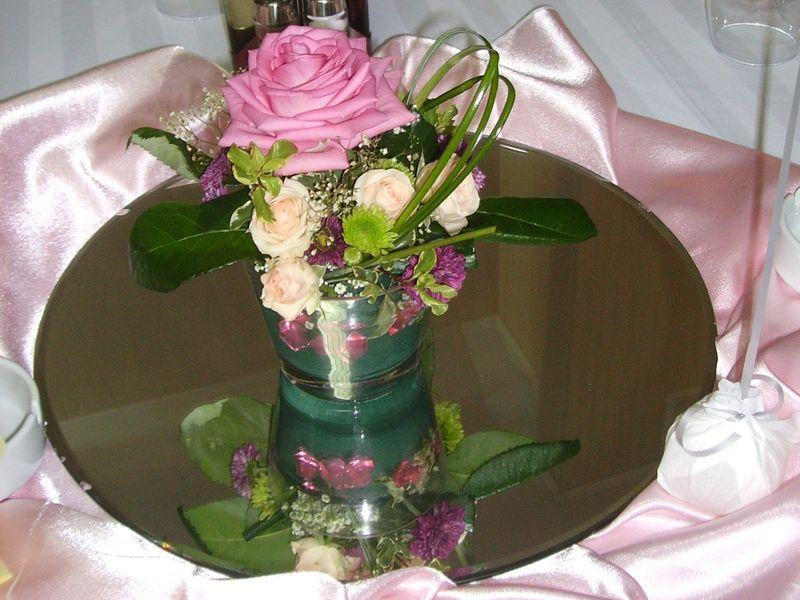 AB 01-50,00 Ron-Aranjament cu trandafir, minirosa si santini