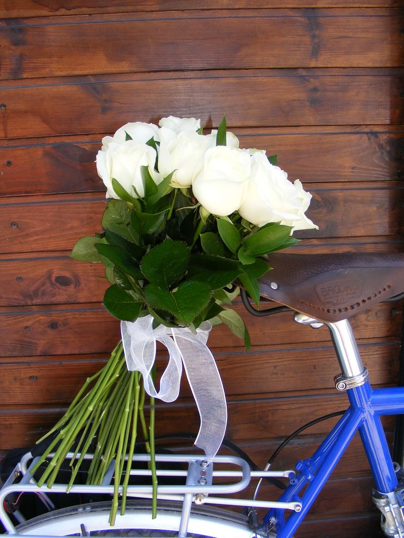 BF 23-90 Ron-Buchet flori cu trandafiri