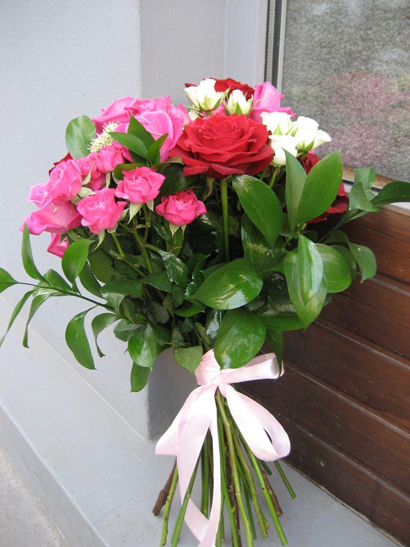 BF 24-150,00 Ron-Buchet flori cu trandafiri, minirosa si trahelium
