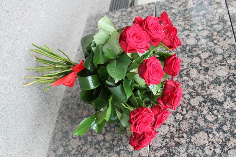 Cod BF 31-115,00 Ron-Buchet de flori cu trandafiri